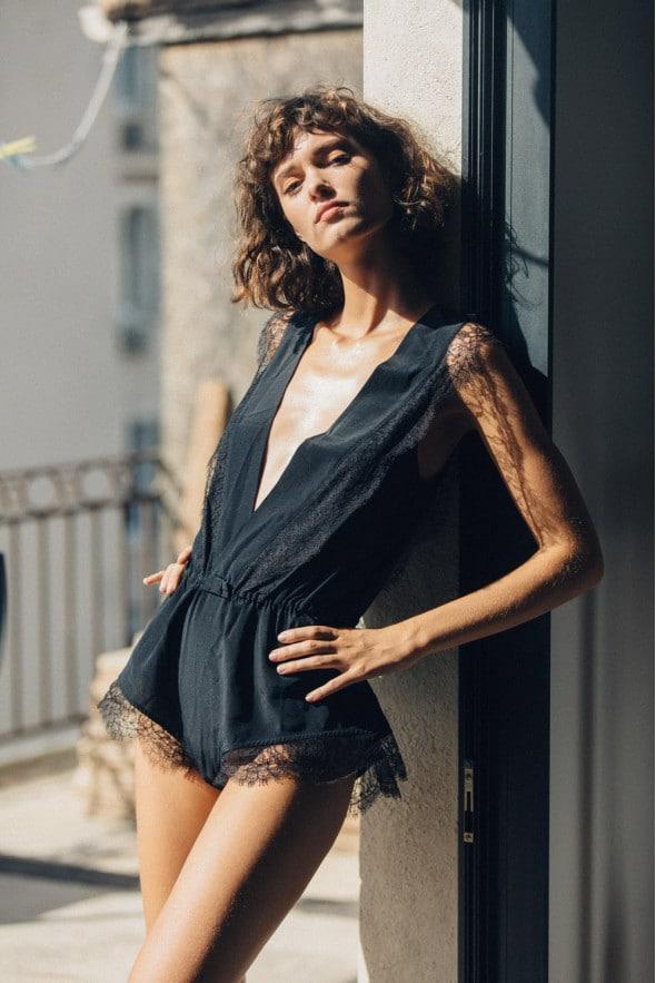 Lingerie dessus-dessous combishort Alma en soie et dentelle de Calais noir by Jolies mômes